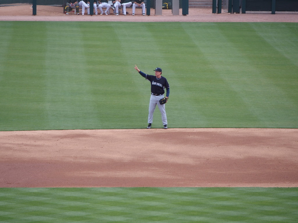 Farrell then re-entered the game at second base, this time as a Seattle Mariner